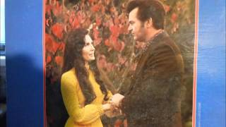 Watch Loretta Lynn I Wonder If You Told Her About Me video