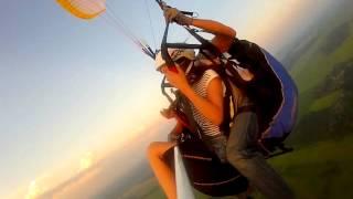 Параплан тандем, шикарная мимика(Это видео создано с помощью видеоредактора YouTube (http://www.youtube.com/editor), 2013-09-20T11:47:22.000Z)