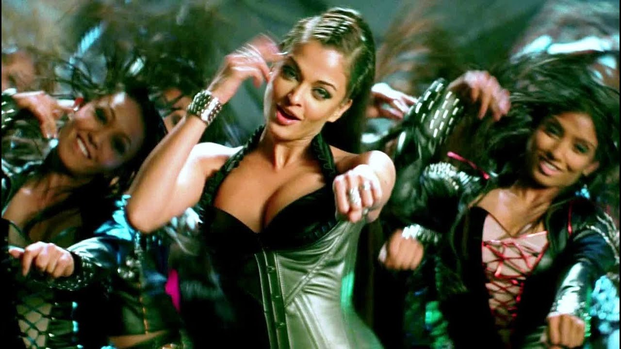 Aishwarya Rais Sexiest Shots From Dhoom 2 - Youtube-4954