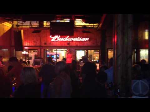 NASHVILLE TN @ Wanna be's Karaoke Bar