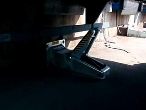 Strong Arm Hydraulic Vehicle Restraint Model SVR 303