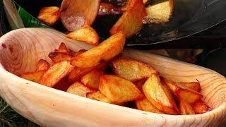 Waldküche - Frittierte Kartoffeln mit Chorizo Wurst und Paprika