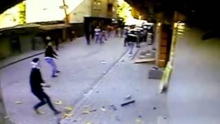 Göstericiler dershaneye böyle saldırdı