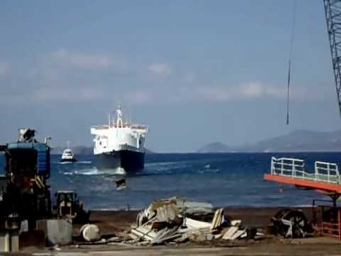 Ravenna arrives in ship breaking yard