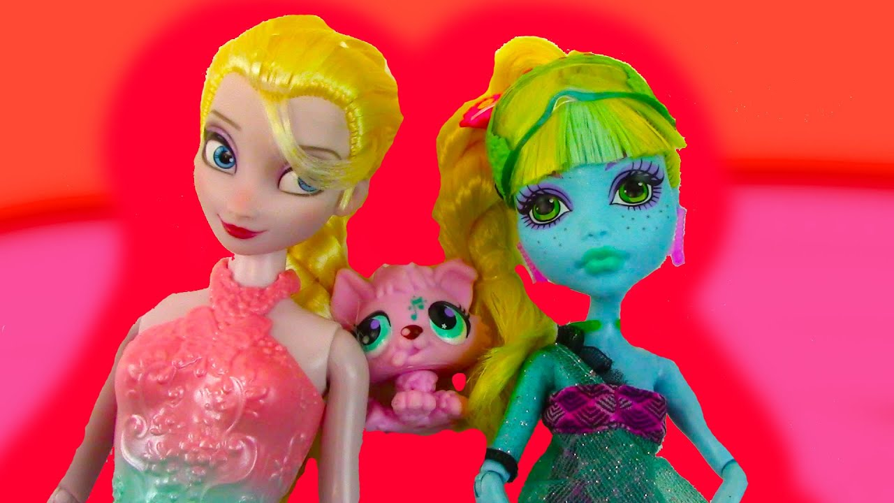 Disney Queen Elsa Lagoona Blue 13 Wishes Fresh Water Movie Doll Toy Review