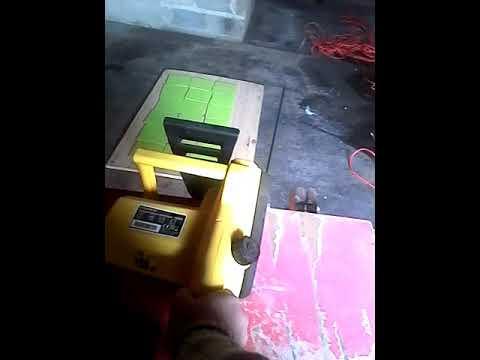 Essai De La Tronçonneuse électrique Leroy Merlin Youtube