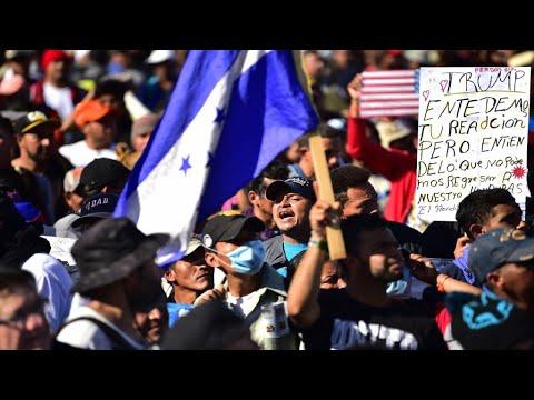 آلاف الأمريكيين يتظاهرون قرب الحدود المكسيكية للتنديد بـ-معسكرات اعتقال- المهاجرين  - 12:54-2019 / 7 / 15