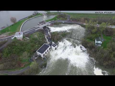 Kingston Mills Locks water overflow