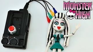 Play Doh Monster High Stop Motion Animación Spooky Barbie Doll - Playdough Muñeca Frankie Stein