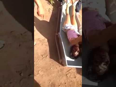 ブラジル 女性 死体