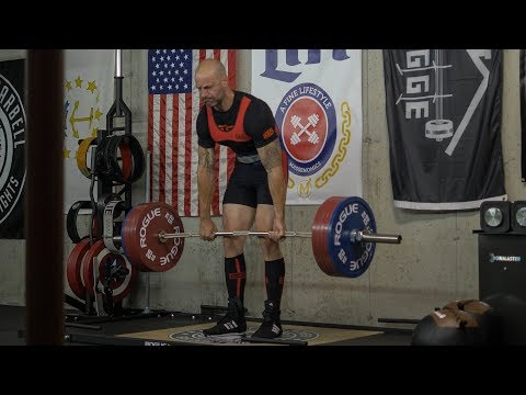 I suck at powerlifting.
