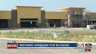 Overland Park City Council approves Bluhawk development for hockey arena