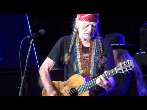 Willie Nelson in Concert - Dubuque, Iowa - April 13, 2018
