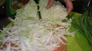 Салат из пекинской капусты с зеленым луком. Salad NAPA cabbage with green onions