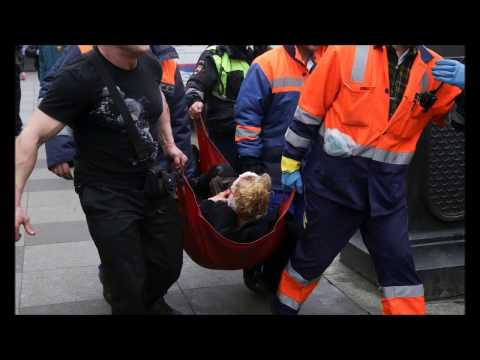 St Petersburg metro explosion kills 10 in Russia; 2nd bomb is defused