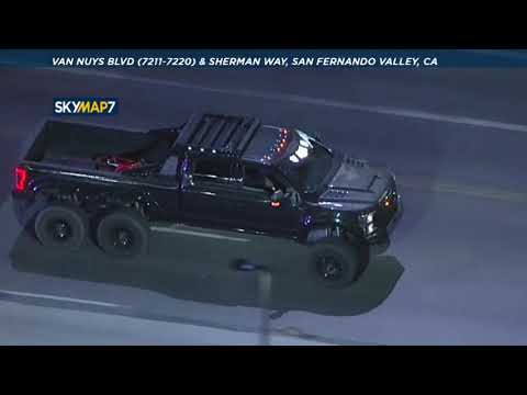Authorities Chase Large Truck Through The San Fernando Valley | ABC7