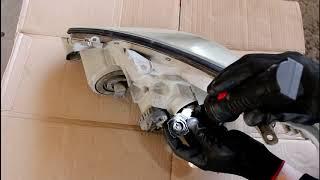 Toyota Caldina 2003 Тойота Калдина 2,0 Замена патронов лампы фары ксенон