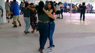 Danna baila con su tía / Ultimo con el Sr Armando Medrano