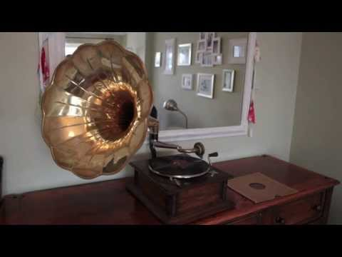 Gramophone playing When Summer is Gone