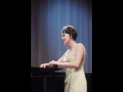 "Janet Baker sings ""Air de Lia"" - LIVE!"