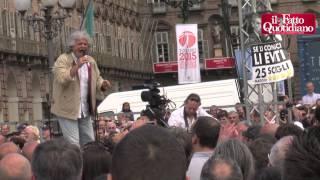 """Torino, Grillo: """"Schulz? Senza Stalin avrebbe svastica sulla fronte"""""""