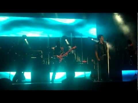 """AUNQUE ESTES CON EL "" - LUIS FONSI ( TOUR TIERRA FIRME TIJUANA 2012 )"