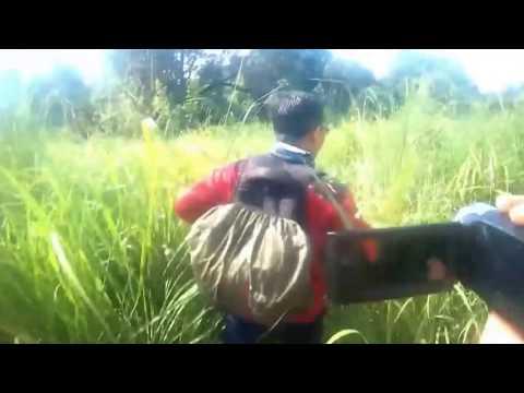 HEBOH ! Kaget ada orang telanjang di hutan Aceh