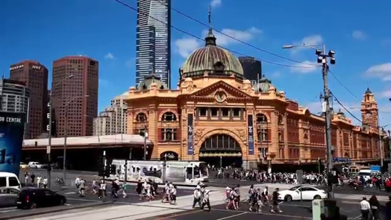 flinders street railway station in melbourne australia. Black Bedroom Furniture Sets. Home Design Ideas