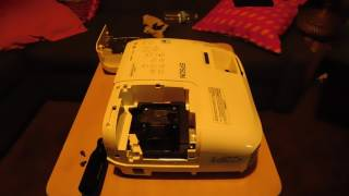 HOW TO CHANGE LAMP ON EPSON 2045 EASY!👍