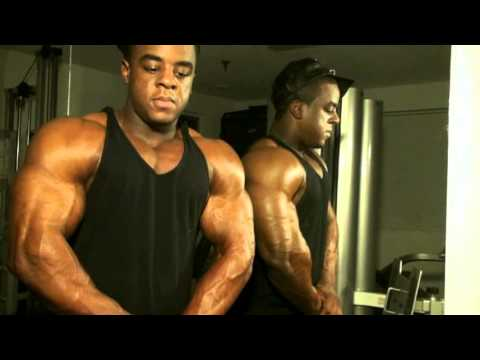 MostMuscular.Com Ultra bodybuilding video megaclips April 2015
