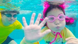 Boram play with friends in kids swimming pool