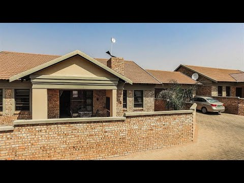 3 Bedroom Townhouse for sale in Free State | Bloemfontein | Lilyvale | T151768