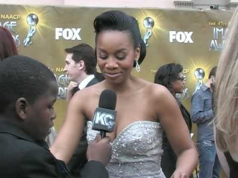 Damon Weaver & Jalyn Mitchell Interview Anika Noni Rose at the 2010 NAACP Image Awards