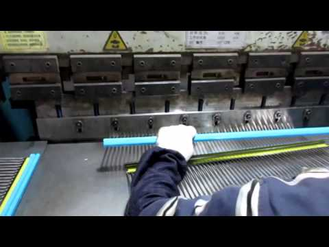 China Import, China Quality Control: Racks for Kitchen Cabinets / Production 4