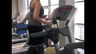 видео: «Настоящий качок!»: 71-летняя Татьяна Васильева жмет лежа 20 кг и хвастается мускулами