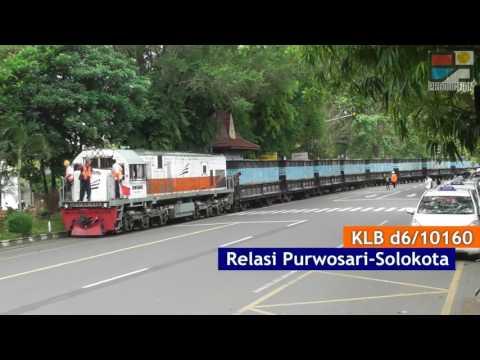 Langka Tapi Nyata: Kereta Api Indonesia di Jalan Raya (Solo)