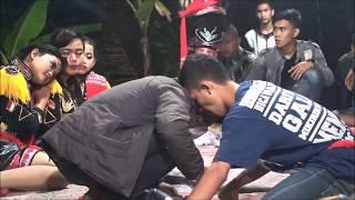 Jarum Jarum Edisi Mendem Kesurupan Makan Api Ndolalak Jangkrik Indah Jarum Jarum