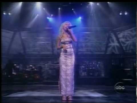 Christina Aguilera - I Turn To You In Live