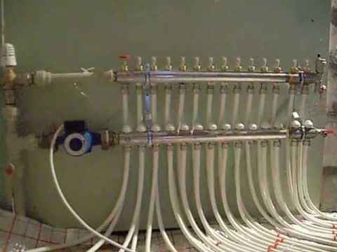 Современная гребенка распределительная (коллектор) изготавливается из надежных и прочных материалов, обеспечивающих ей длительный срок службы. Особенность гребенки отопления в том, что она снабжена отдельной запорной арматурой для каждого отвода, позволяющей безопасно перекрыть.