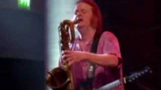 Paul Simon - Late In The Evening.wmv