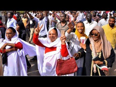 السودان: المجلس العسكري يؤجل الإعلان عن تشكيلة المجلس السيادي إلى الثلاثاء  - نشر قبل 3 ساعة