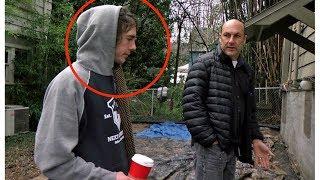 Mann findet Obdachlosen - Als er ihn bat zu gehen veränderte die Antwort sein Leben!