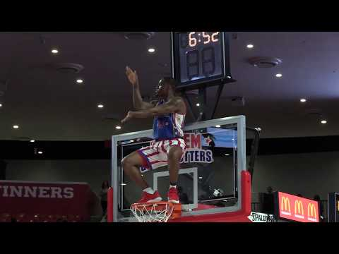 Hilarious Baby Shark Dance at Harlem Globetrotters Game