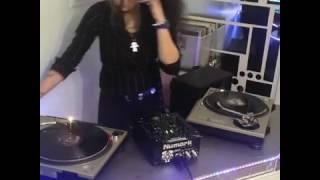 Acid Techno Live vinyl mix - DJ Miss Fit-Pirate Revival Radio & Facebook Live! video  29.12.16
