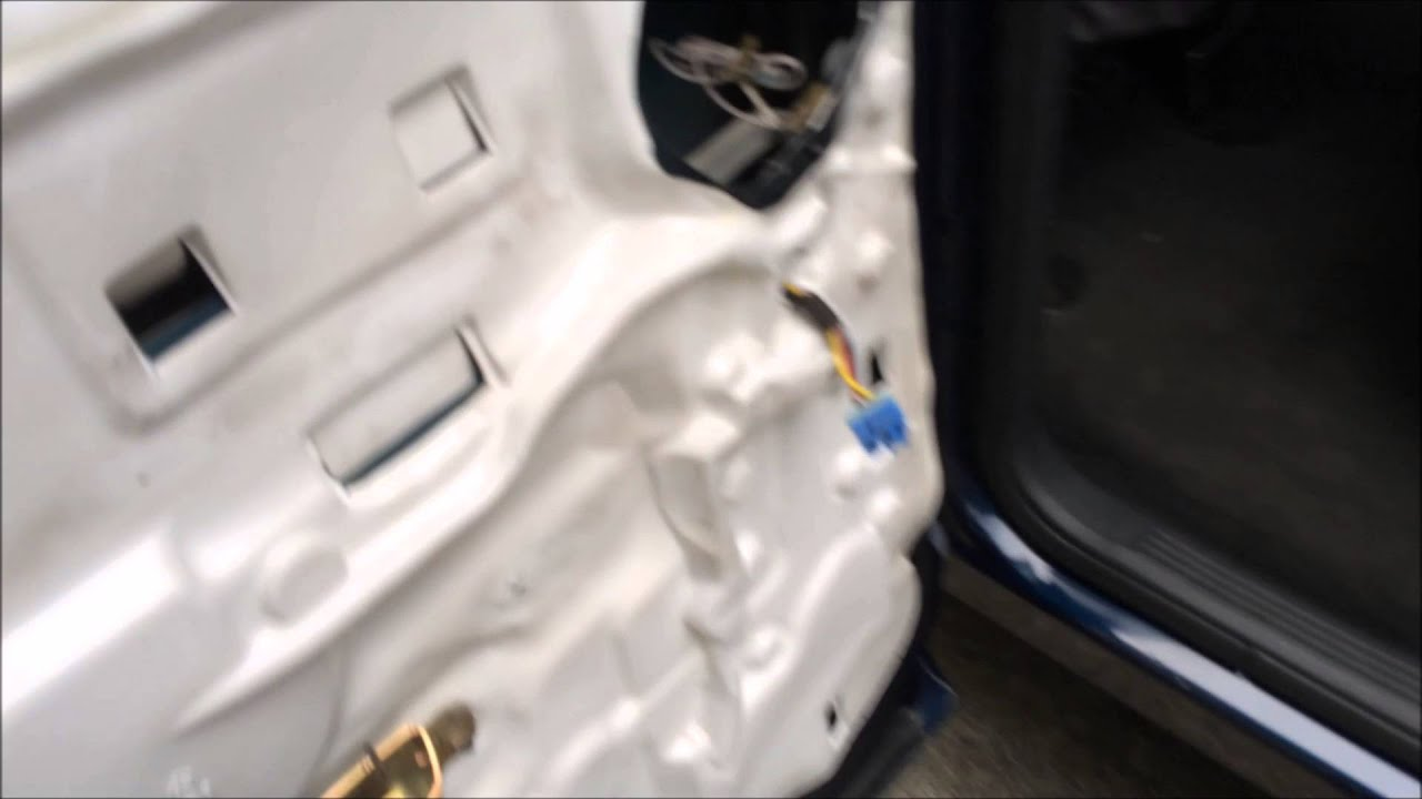 maxresdefault dodge ram quad cab rear door wiring problem youtube 2007 dodge ram rear door wiring harness at webbmarketing.co