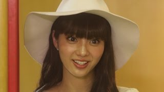 松井玲奈と新川優愛という注目度急上昇中の2人をW主演に迎え、行き場を...