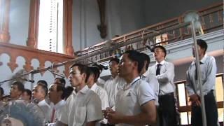 Ban ca đoàn gia trưởng phục vụ thánh lễ khai mạc