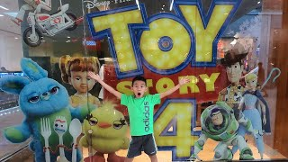 TOY STORY 4 MOVIE || TOY STORY 4 TOYS TOY HUNT at DISNEY STORE 2019!