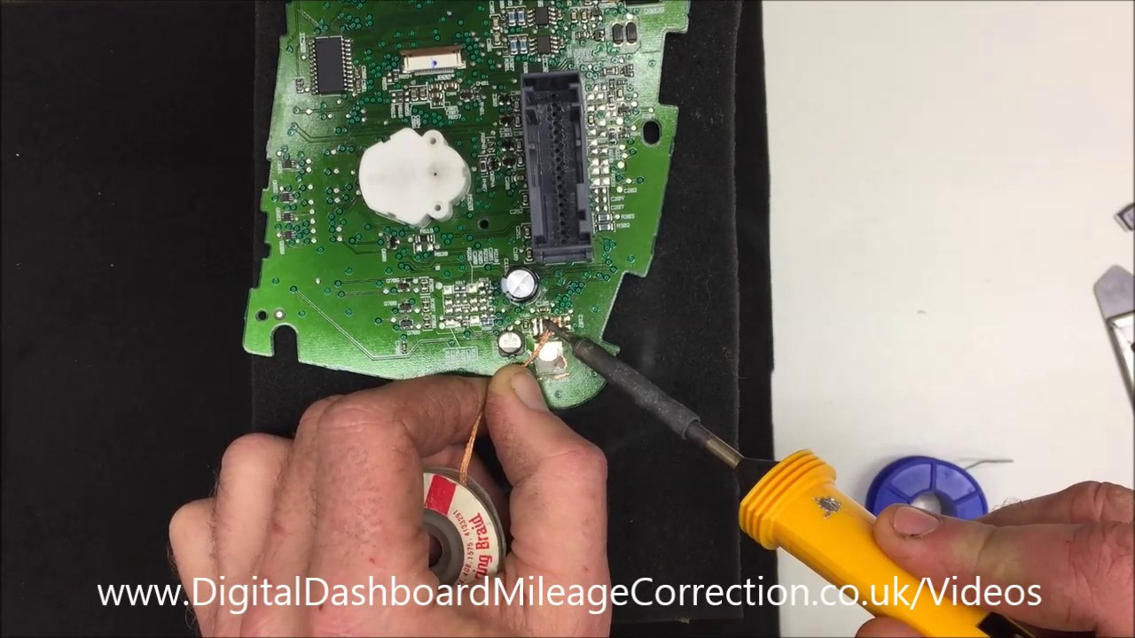 Ford Galaxy or Ford Focus 2nd Gen Dashboard Repair Part 5 Desoldering the  Rectifier Regulator SMD
