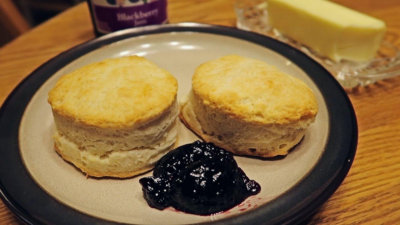 Crisco Buttermilk Biscuits - YouTube
